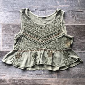 Tops - Embroidered Green Flounce Crop Top Size Small
